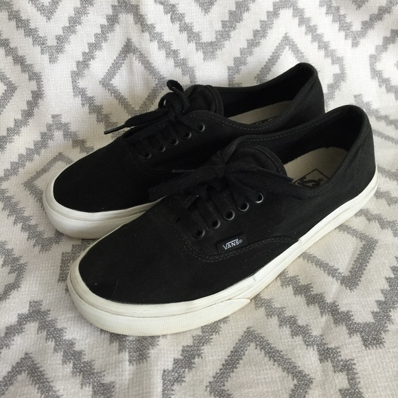 5cfe931cf1 Vans Authentic Style Black Canvas Sneakers M8 W9.5.  M 5b047456a4c4853eee7a64b7